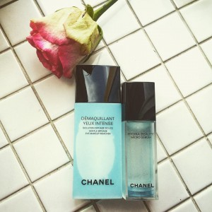 My two classics in the beauty bag are chanelofficial makeuphellip