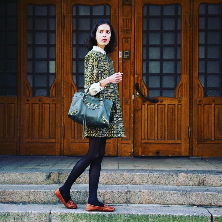 """The question isn't who's going to let me; it's who's going to stop me."" —Ayn Rand #truethat #empowering #empoweringwomen #photooftheday #photographer #fashion #retrostyle #balenciaga #samuji #samujistudio #dress #sundayfunday #inspiring #entrepreneur #influencer #instaoutfit #womensfashion #green #autumncolors #fallfashion #bloglovinfashion #instagood #instadaily #followme"