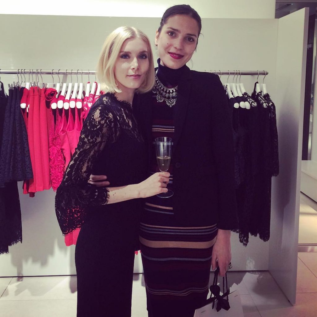 It was a great day today and I was happy to finish my evening by visiting an in-store event at @andiataofficial and it was such a pleasure to meet this gorgeous and elegant lady @styleplaza ! #november #andiata #andiatastore #helsinki #shoppinginhelsinki #evening #events #entrepreneur #bloggersgetsocial #instagood #instadaily #instagram #onthego #womensfashion #photographer #photooftheday