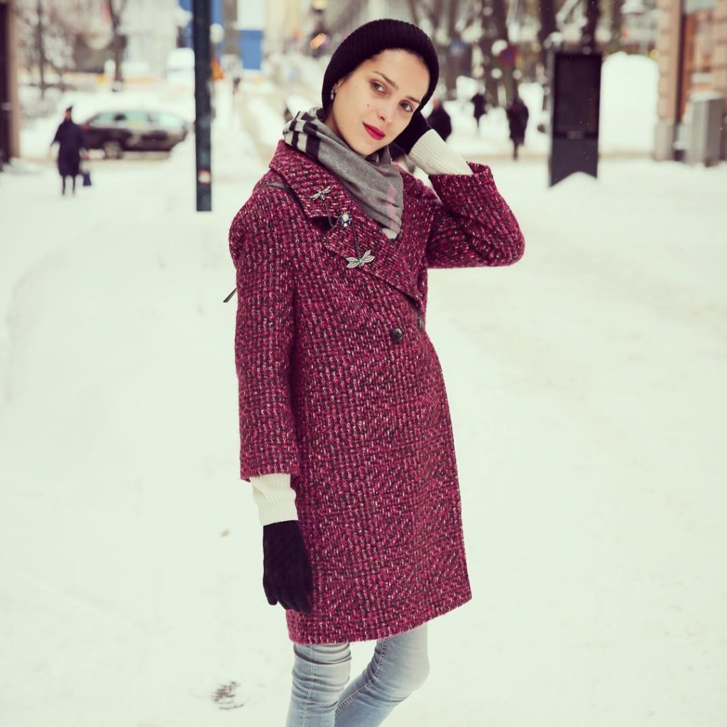 Don't trust everything you hear or see... there are way too many fake phropeths around and sometimes, even our own eyes are too decieving... #followme #monday #mondaymotivation #ootd #outfitoftheday #womensfashion #winterishere #winterfashion #instagood #instadaily #instagram #instaoutfit #pinkcoat #checkedscarf #snow #bundledup #layers #instadaily #entrepreneur