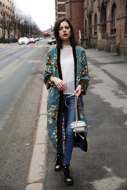 Kimono robe for jeans